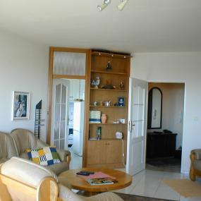 Prenájom pekného 1 izb. bytu s garáž.státím, Kaštielska, Bratislava-Ružinov